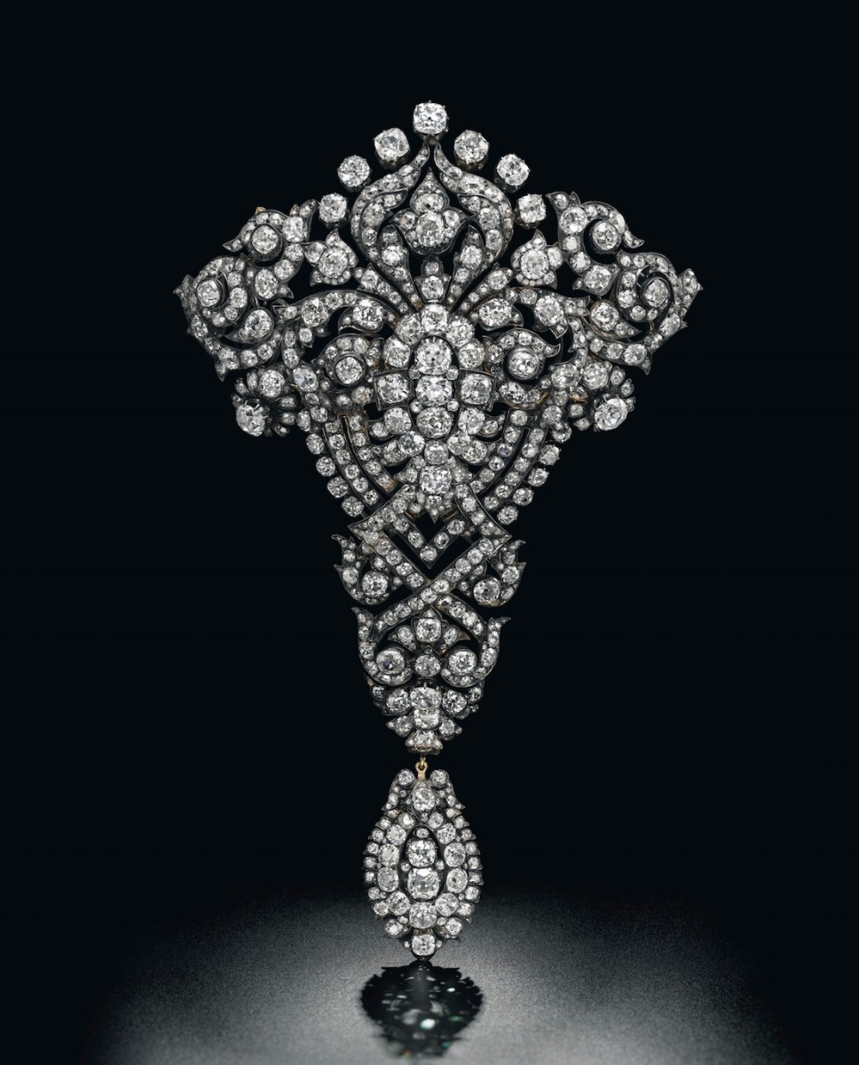 the Maria Christina Royal Devant-de-Corsage brooch